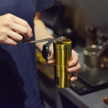 コーヒーミルゴールドカラー